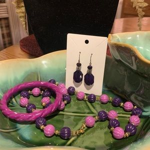 VTG  1960's Resin Purple Pink Necklace Set PIN UP